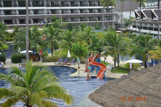 Sunwing Kamala Beach : view out the balcony