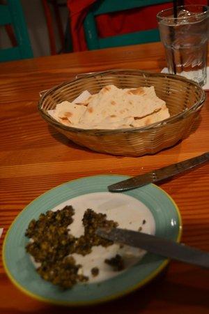 Morada Bay: La olivada gratutia (buenísima)