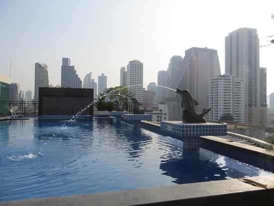 Admiral Premier Bangkok by Compass Hospitality: la piscine