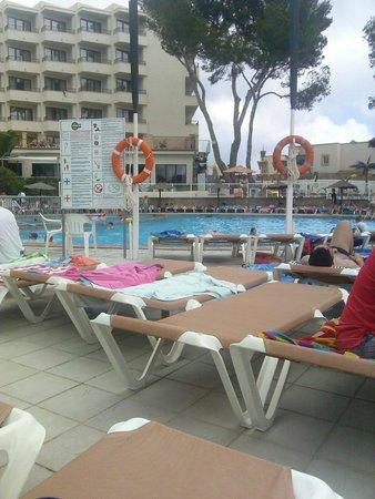 Alua Miami Ibiza: Pool side view