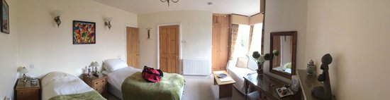 The Grange : A very comfortable, quiet and relaxing room.