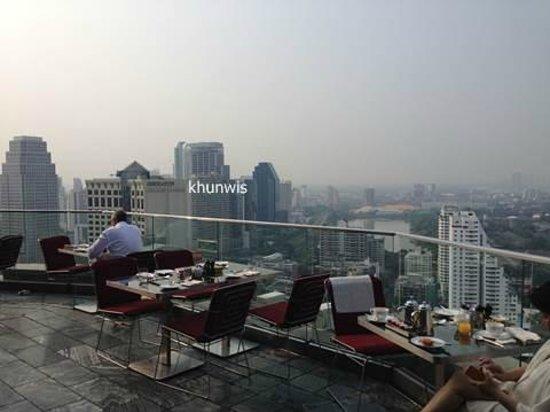 Sofitel Bangkok Sukhumvit: nice view for breakfast