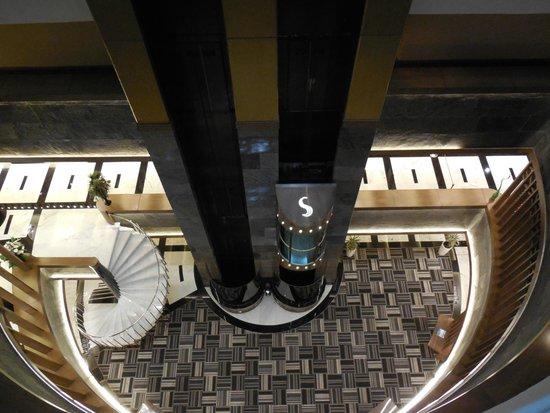 Surmeli Istanbul: Surmeli Elevator