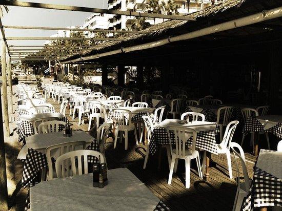 Terraza Chiringuito Pepes Bar