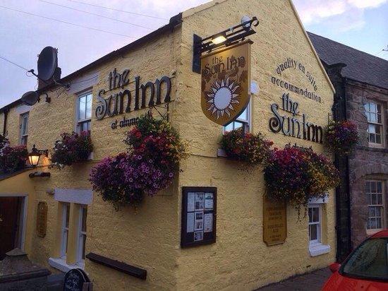 The Sun Inn: Sun Inn at Sunset!!