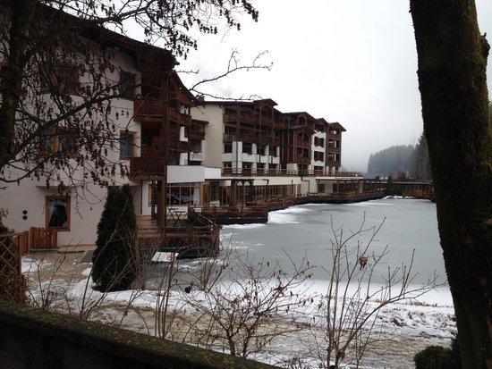 Falkensteiner Family Hotel Lido Ehrenburgerhof: lago ghiacciato