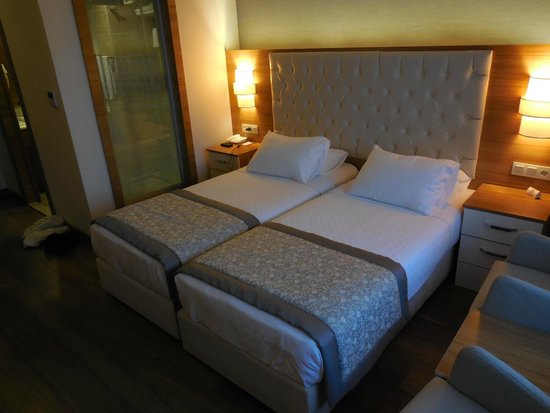 Parion camera_2 - Picture of Parion Hotel, Canle - TripAdvisor on