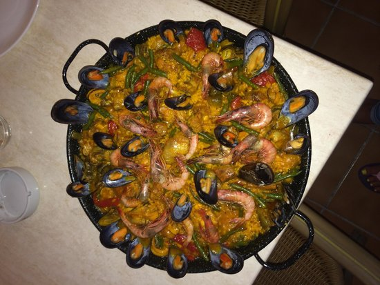Hotel Flamenco: Paella made at hostel