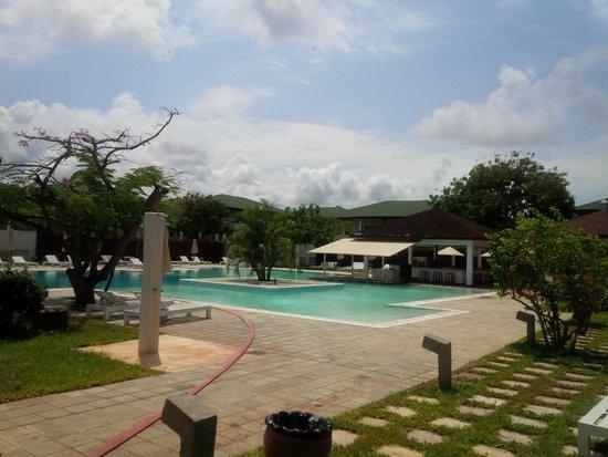 Garoda Resort: One of the pools