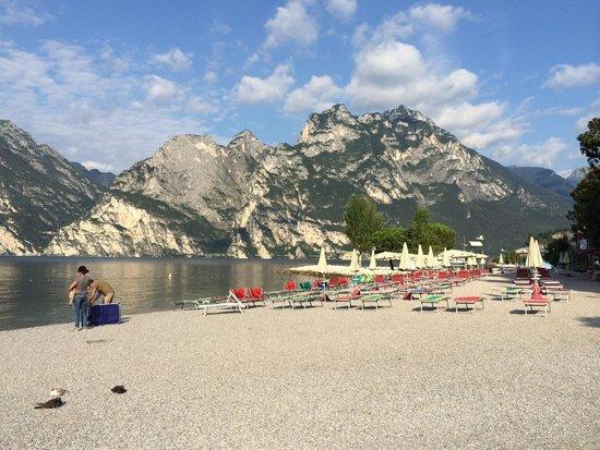 Geier : Spiaggia a 500 metri. Dall hotel !  Vista splendida !