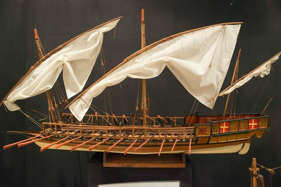 Malta Maritime Museum: Maritime Museum exhibit