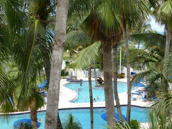 The Savoy Hotel: Vue sur piscine de la suite 322