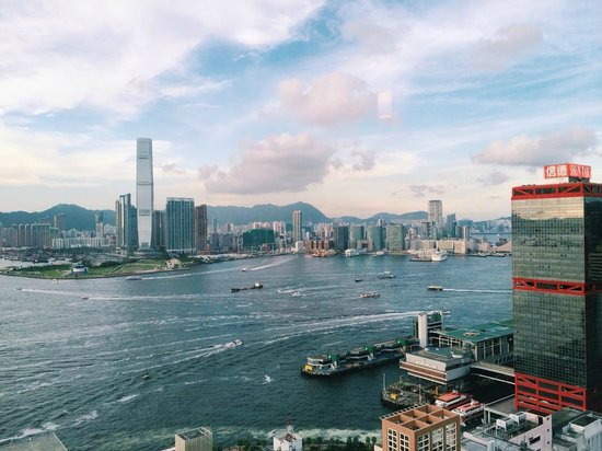 Ibis Hong Kong Central & Sheung Wan Hotel: Room with Harbor View