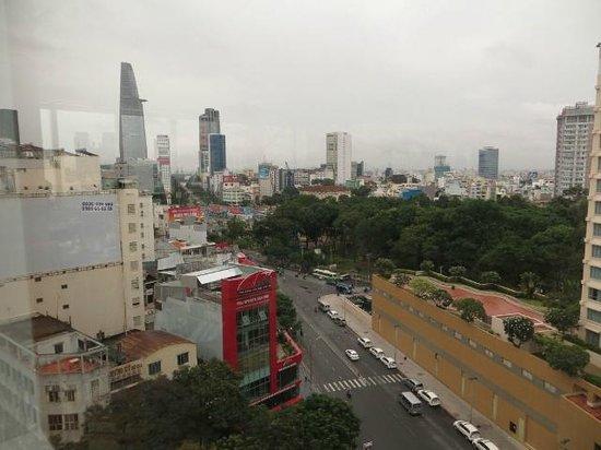 Paradise Saigon Boutique Hotel: Vistas desde el comedor