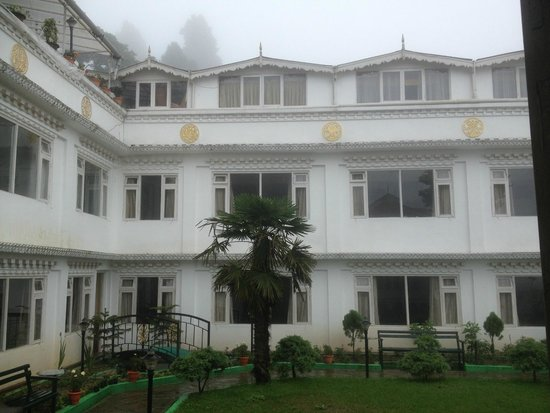 Little Tibet Resort : view from garden