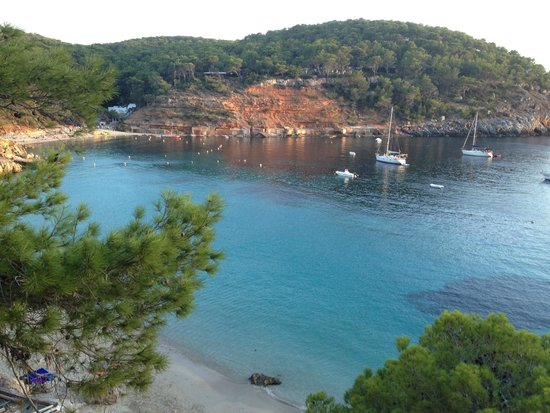 cala salada ibiza picture of playa cala salada sant antoni de portmany tripadvisor. Black Bedroom Furniture Sets. Home Design Ideas