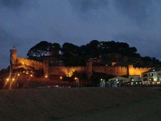 Vila Vella (Old Town) : vue le soir