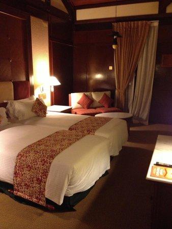 Meritus Pelangi Beach Resort & Spa, Langkawi: room