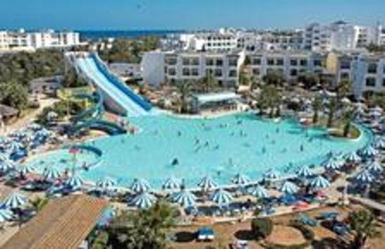 Soviva Resort : Slides&Pool