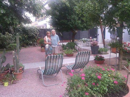 Don Carlos Bed & Breakfast: Fiori del giardino