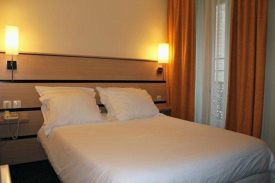 New Hotel Saint Lazare : Chambre double