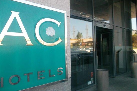 AC Hotel Porto: ENTRADA