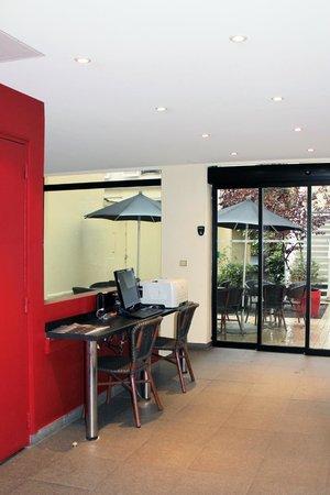 New Hotel Saint Lazare : Réception