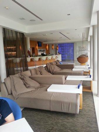 Chateau Royal Beach Resort and Spa : bar