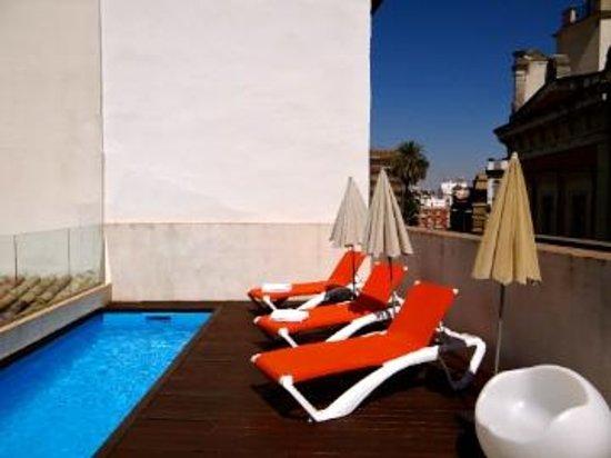 Hotel Posada del Lucero : Piscine de l'hôtel sur le toit