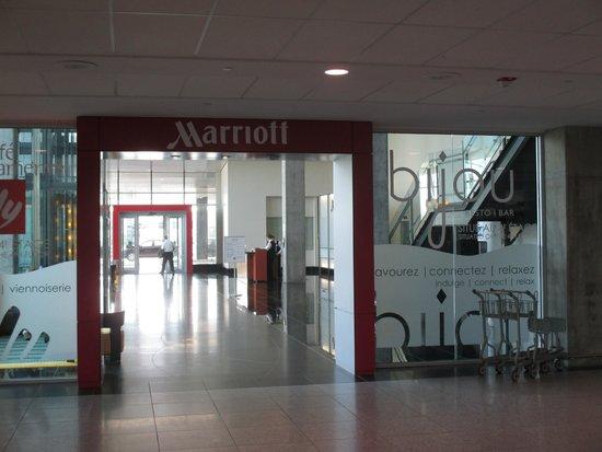 Montreal Airport Marriott In-Terminal Hotel : entrée directe de l'aérogare