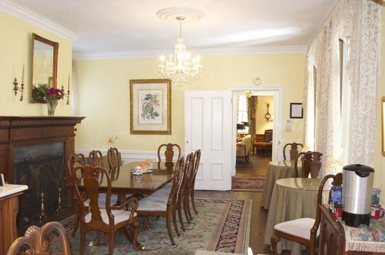 1837 Bed and Breakfast: Dining Room at 1837 B&B