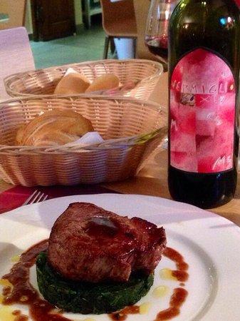 La Taverna Babale: Filetto di chianina su burgher di spinaci