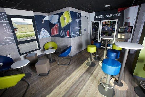 Ibis Budget Pontarlier: Espace Lounge