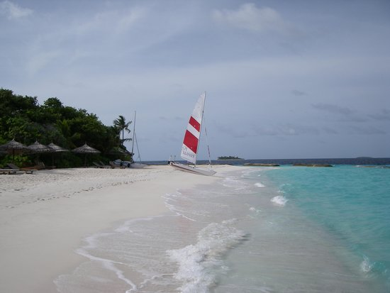 Reethi Beach Resort: the beach