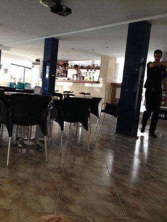 Hotel Moreyo: Hotel bar