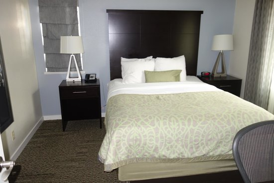 Staybridge Suites Dulles: Спальня