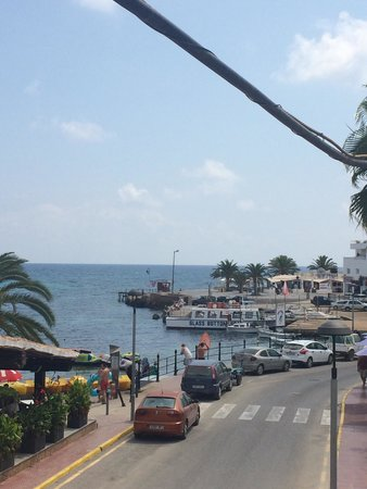 Hostal Mar y Huerta : Perfect view from the best balcony in es Cana xx