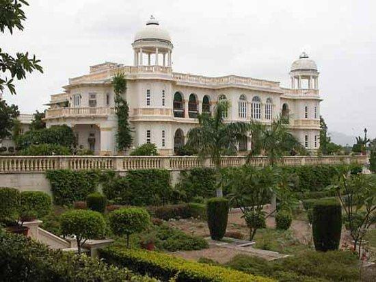 Balaram Palace Resort: External Palace View