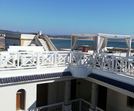 Riad Dar L'Oussia : The gorgeous rooftop terrace!