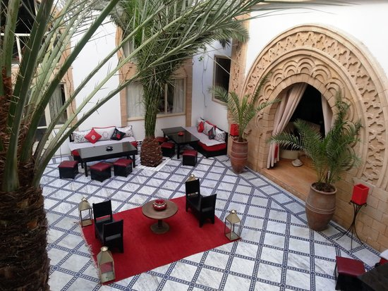 Riad Dar L'Oussia : The riad's central court yard, view from our suite!