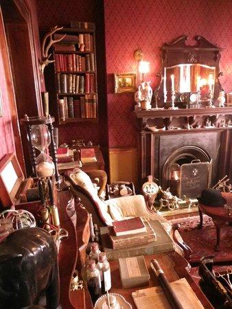 Sherlock Holmes Museum: An interior room