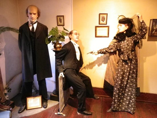Sherlock Holmes Museum: One of the displays