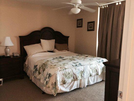 Tilghman Beach & Golf Resort : Guest Full Bedroom
