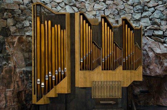 Temppeliaukio-Kirche: Pipe Organ