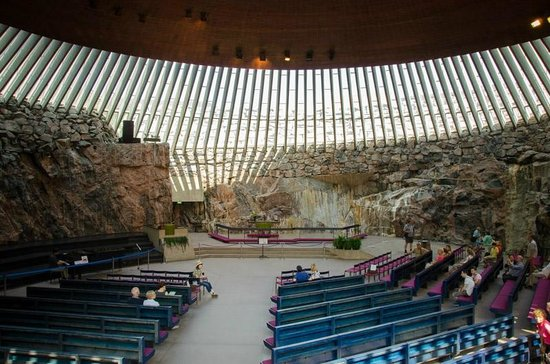 Temppeliaukio-Kirche: Interior from upstairs