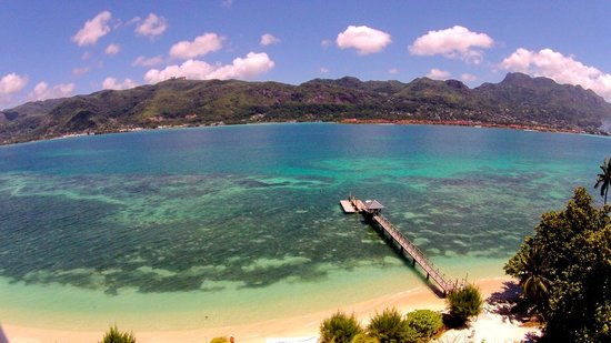 L'Habitation Hotel : The jetty and view of mahe