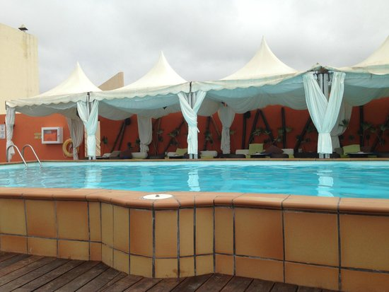 Piscine du 9 me tage picture of gloria palace san for Piscine 9eme