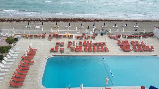 Ramada Plaza Marco Polo Beach Resort : pool