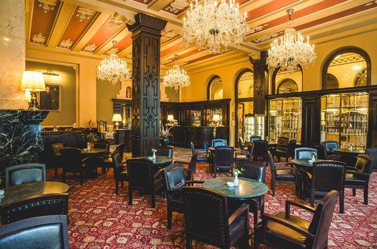 Hotel Esplanade Prague: All Day Cafe