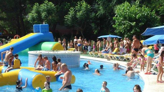 Ohtels Belvedere: Zona Piscina - Inflables